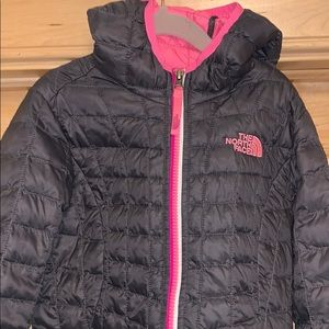 The North Face Thermoball jacket girls size XS (6)